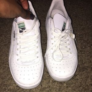 Puma sneaker worn once only !!!!!!